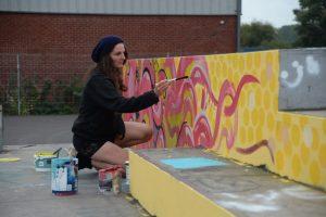 Oksana painting an Octopus at the Saktepark